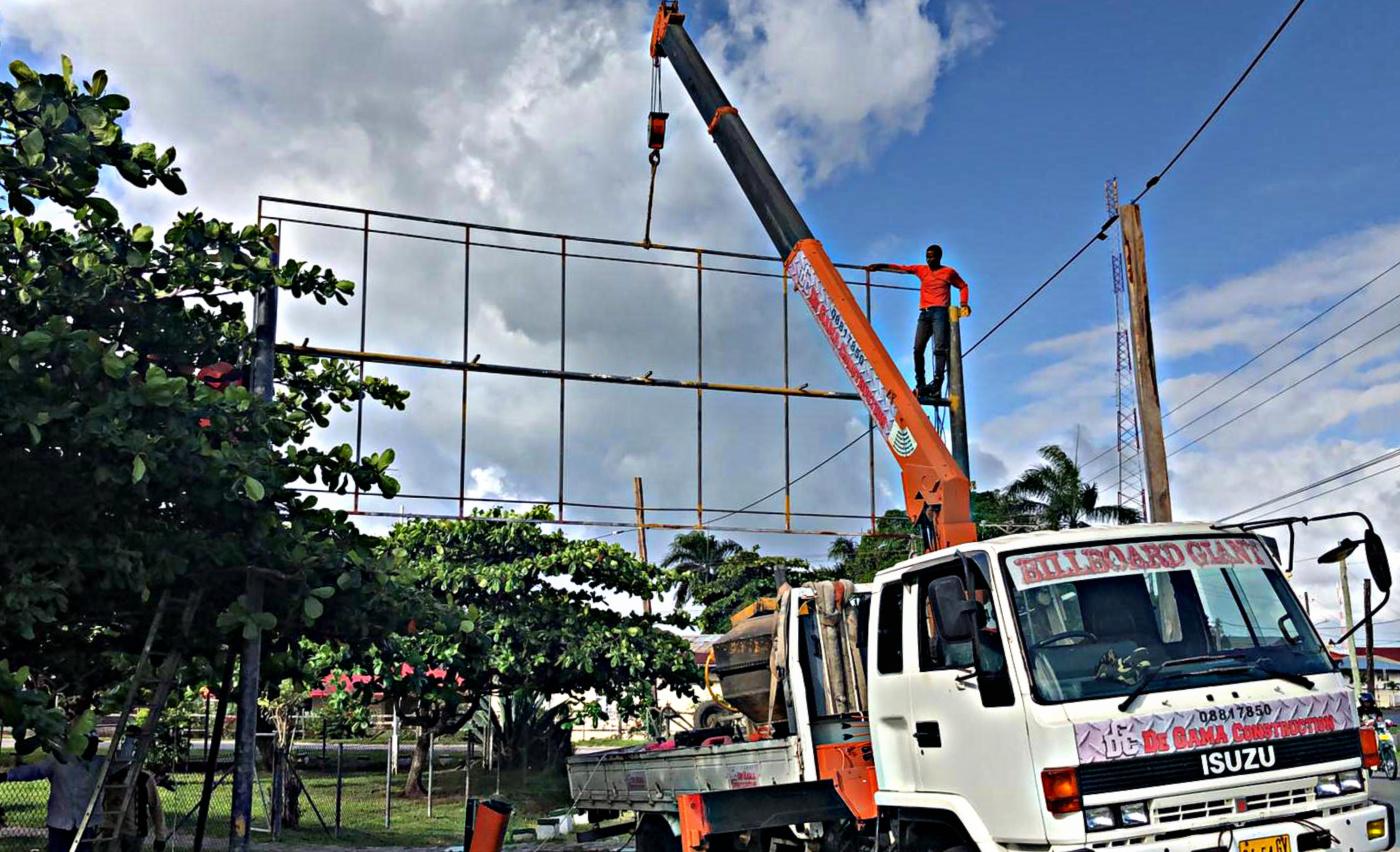 Reclamebord Constructie & Print Suriname